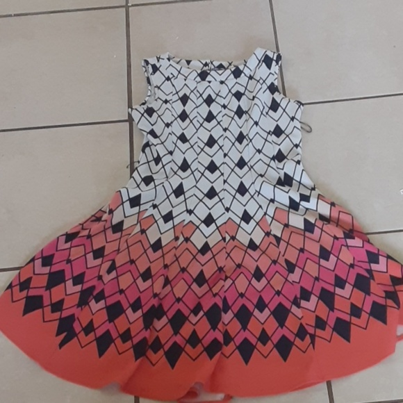 Haani Dresses & Skirts - A spring time dress
